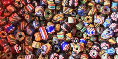 妹妹製作飾品的材料-琉璃珠